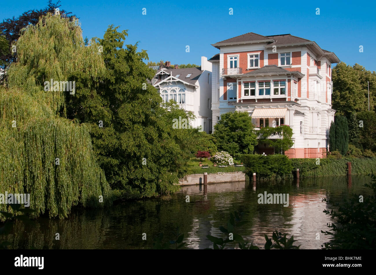 villen an der alster hamburg deutschland villas near river stock photo 28082670 alamy. Black Bedroom Furniture Sets. Home Design Ideas