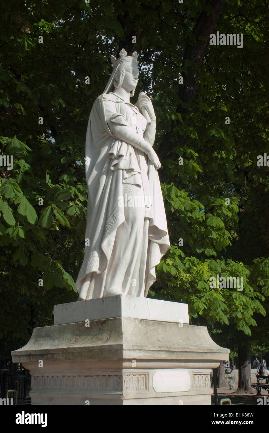 Statues in jardin du luxembourg stock photos statues in jardin du luxembourg stock images alamy - Statue jardin ...