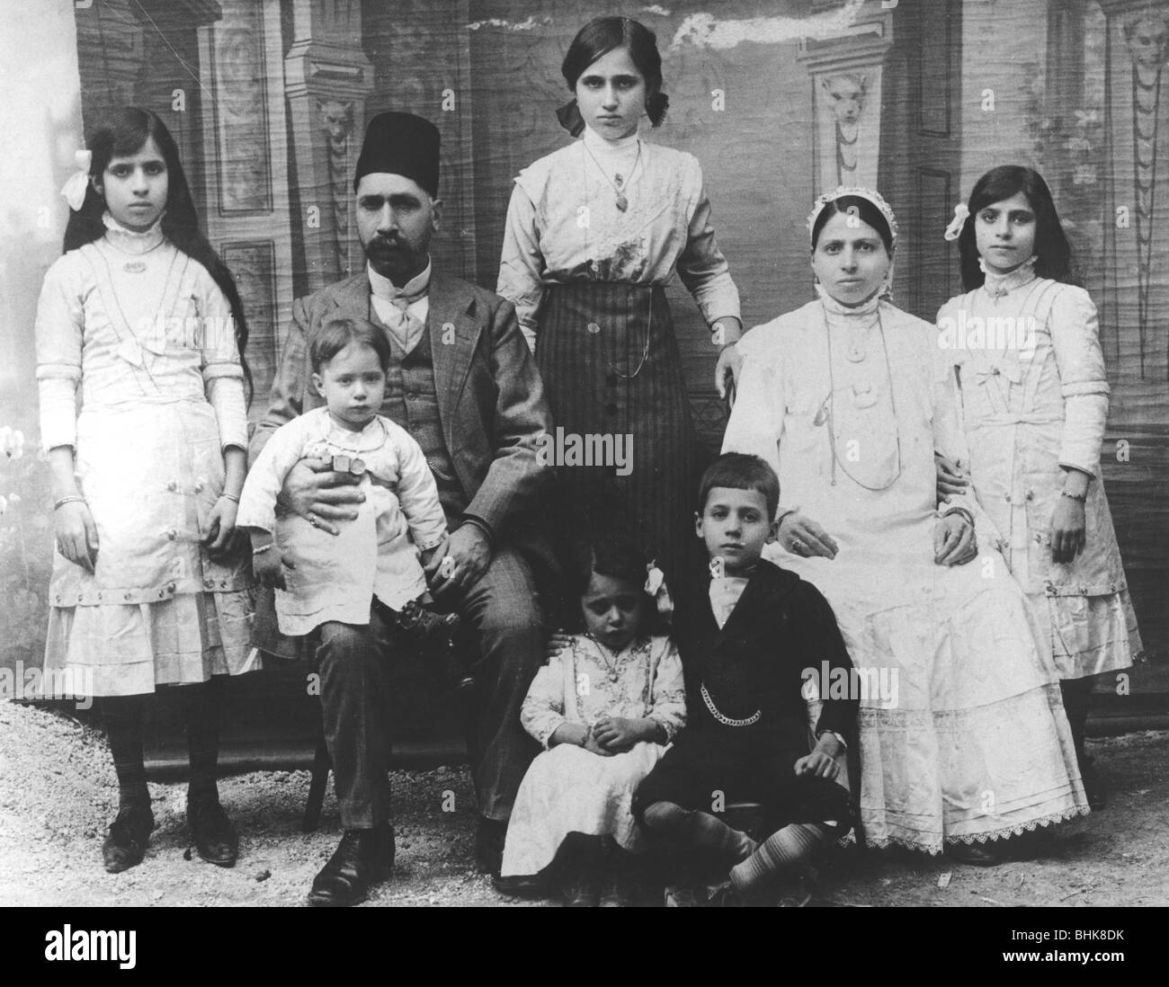 Jewish family in Baghdad, 1912. - Stock Image
