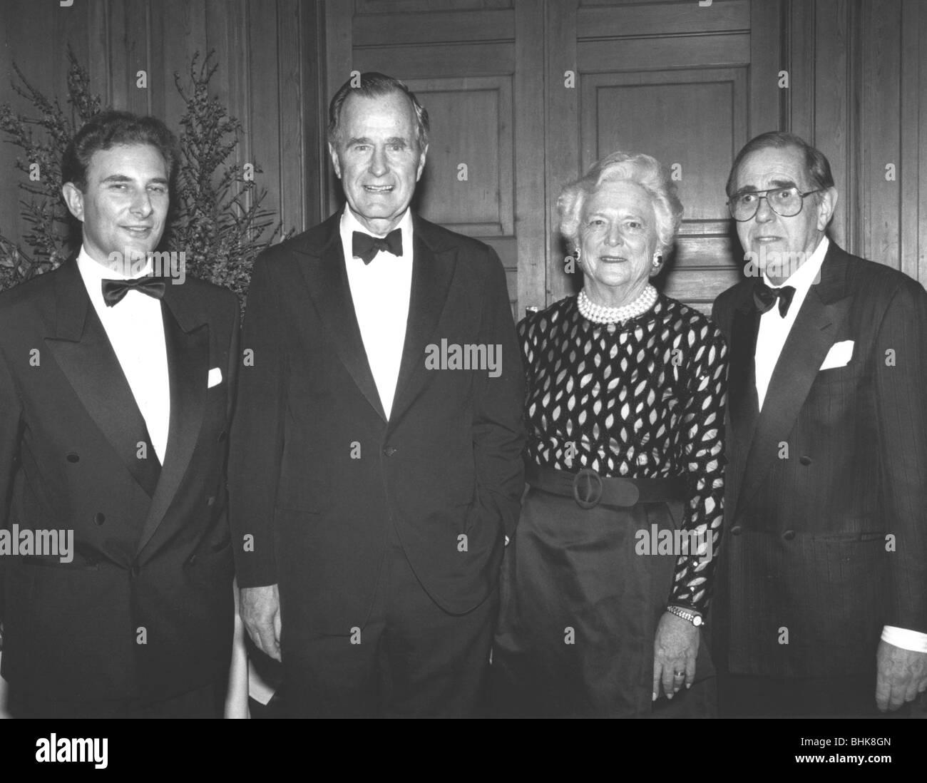George Bush Senior at Jewish dinner, 1993. Artist: Sidney Harris - Stock Image