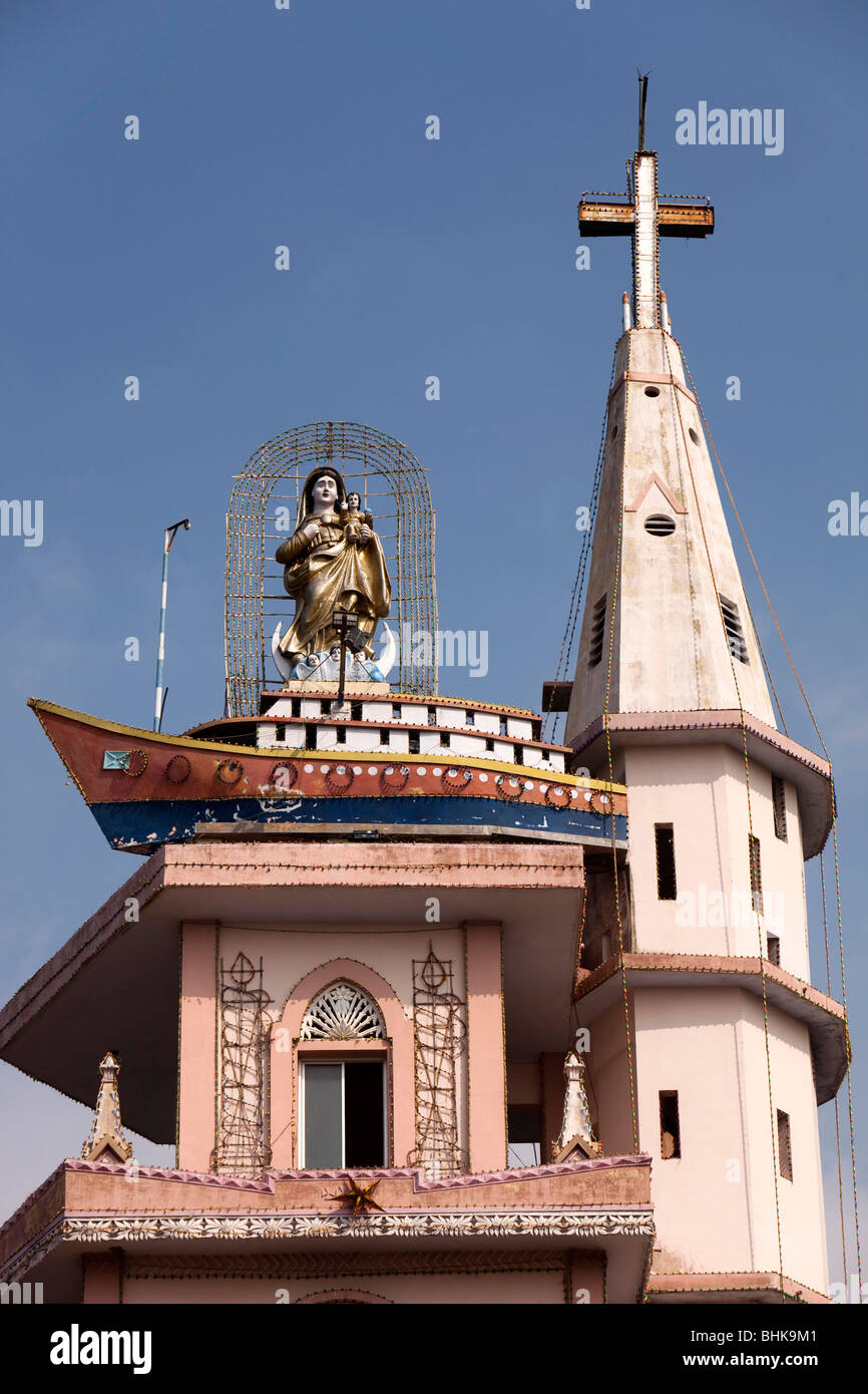 India, Kerala, Kovalam, Vizhinjam village our lady of the voyages above ship symbol on church spire - Stock Image