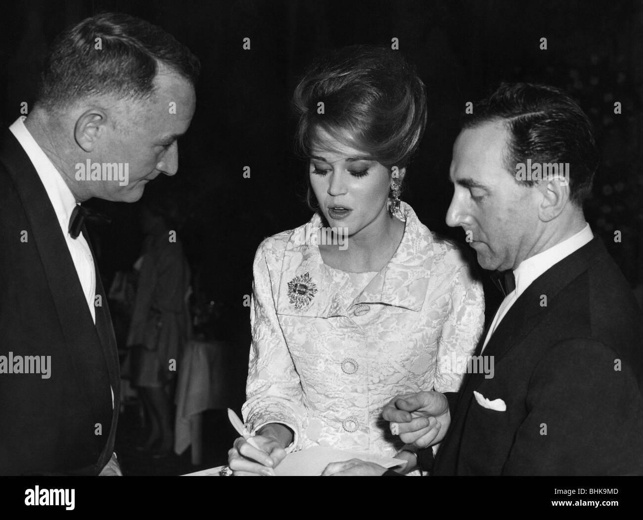 Fonda, Jane, * 21.12.1937, American actress, half length, Gala, International Sporting Club, Monte Carlo, Monaco, - Stock Image