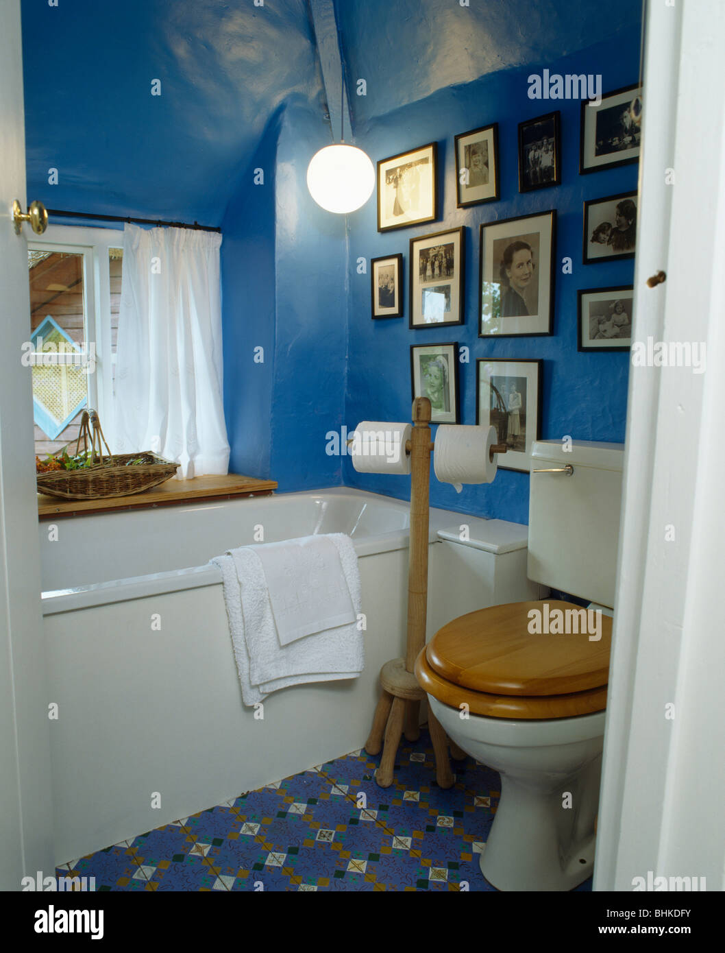 Attics Bathrooms Country Interiors Stock Photos & Attics Bathrooms ...