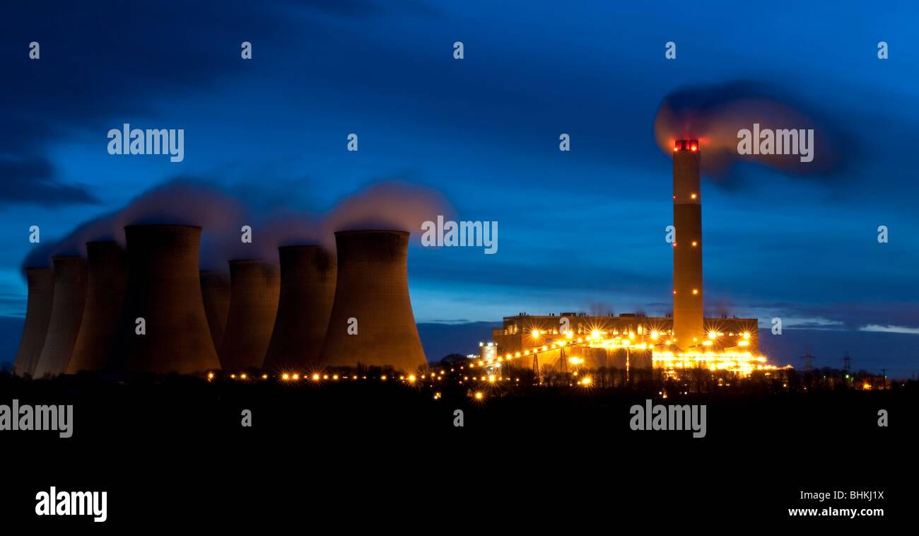 Night Shot of Cottam Power Station - Stock Image