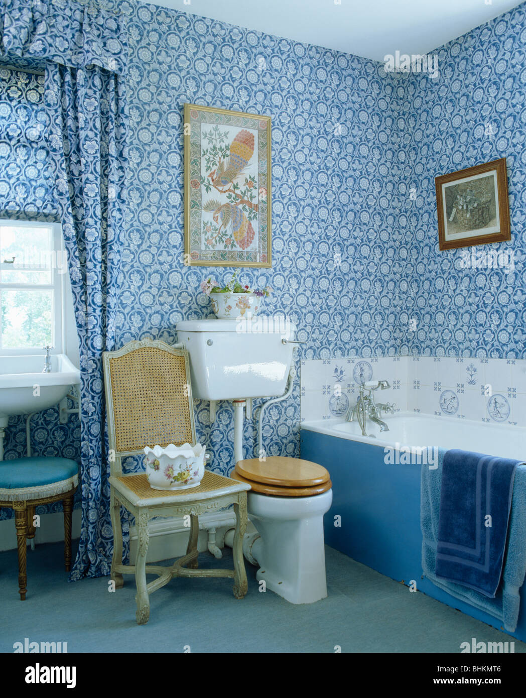 Blue+white floral wallpaper and matching curtains in traditional ...