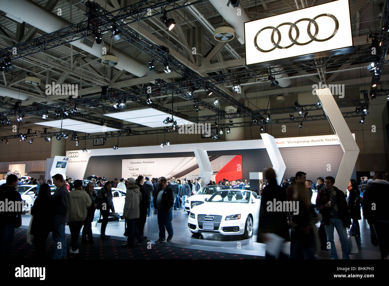 Audi autoshow crowd - Stock Image