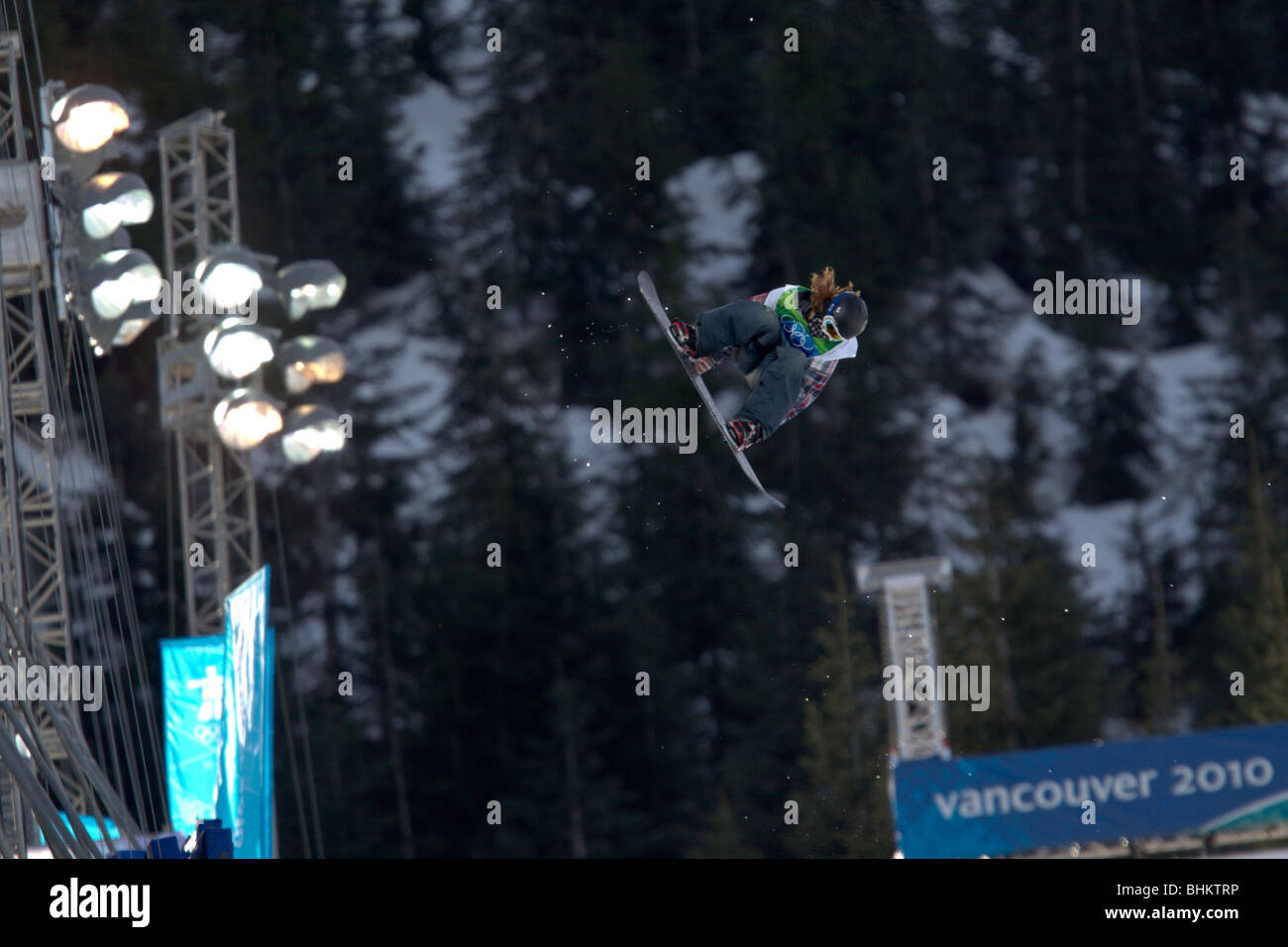 Shaun White (USA), gold medal winner, competing in the Men's Snowboard Halfpipe event at the 2010 Olympic Winter - Stock Image