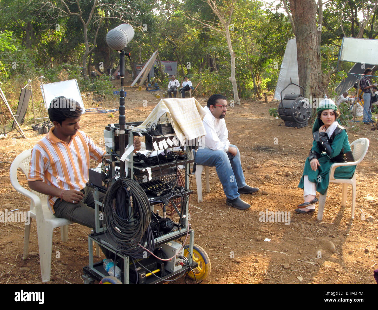 INDIA .Rehearsing a battle scene in a set  at Film City in Mumbai - Stock Image