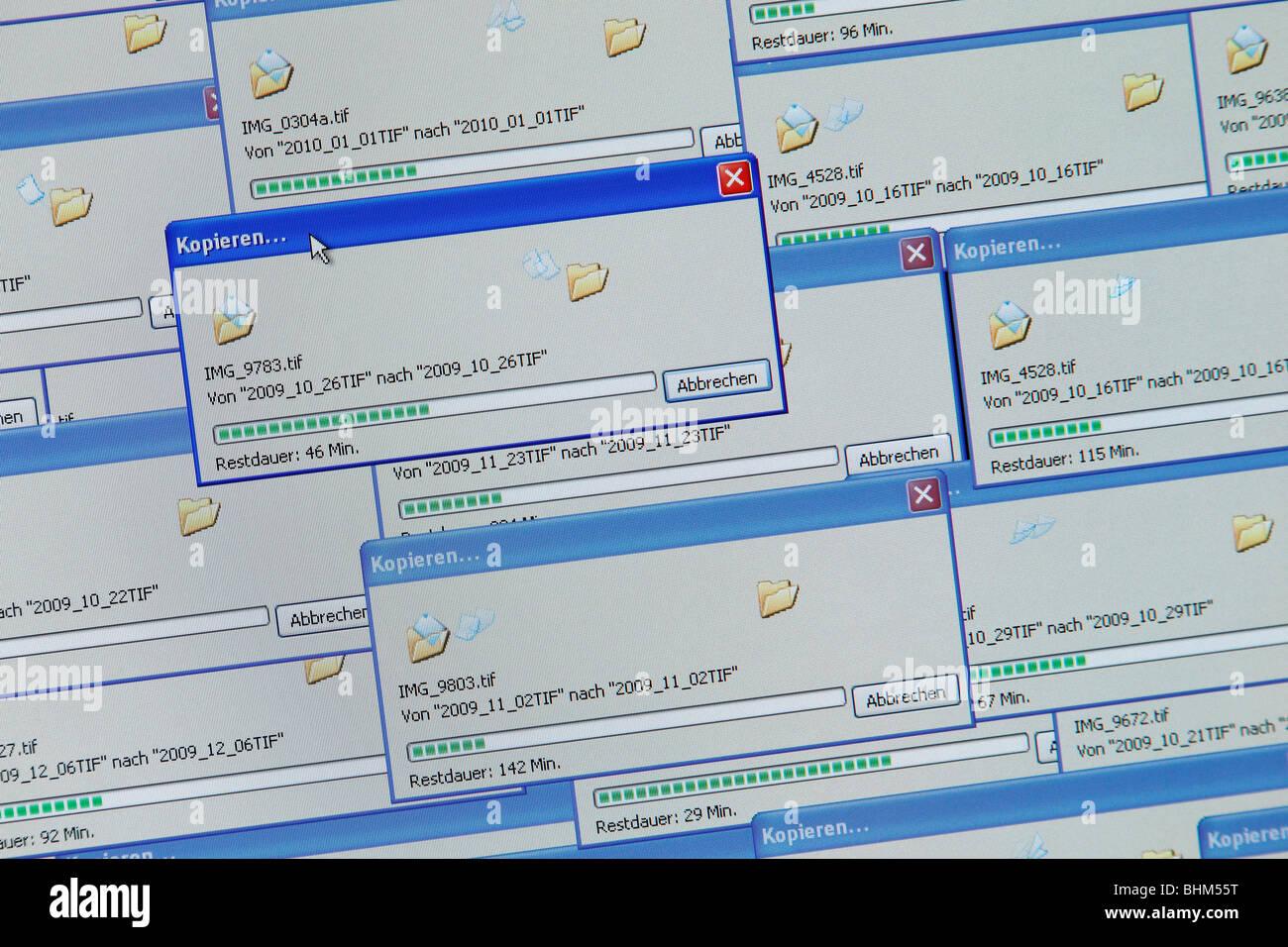 copy images in Windows (German language) - Stock Image