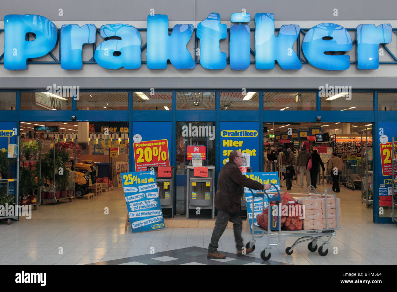 Baumarkt Stock Photos Baumarkt Stock Images Alamy - Fliesen discount celle