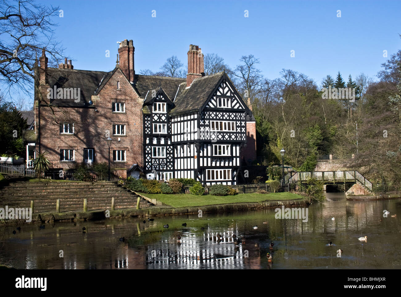 The Packet House ( Grade ll  19th century listed building) and Bridgewater Canal, Worsley, Salford, Greater Manchester, - Stock Image