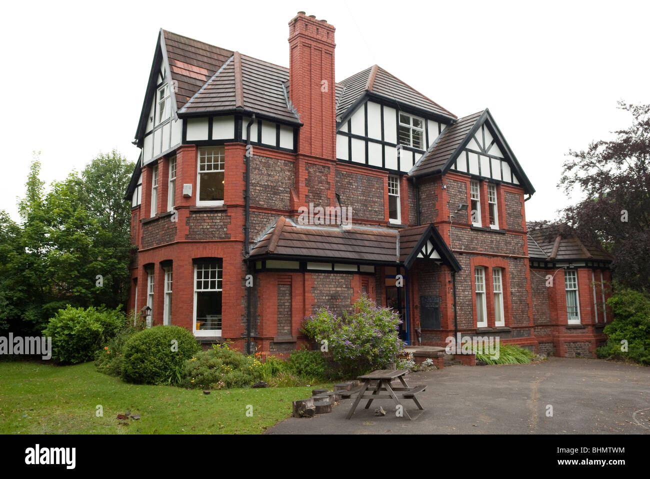 Old House Uk Architecture Home Design Wiring Colours Small Private Boarding School In Stock Photo Rh Alamy Com This Tv Store