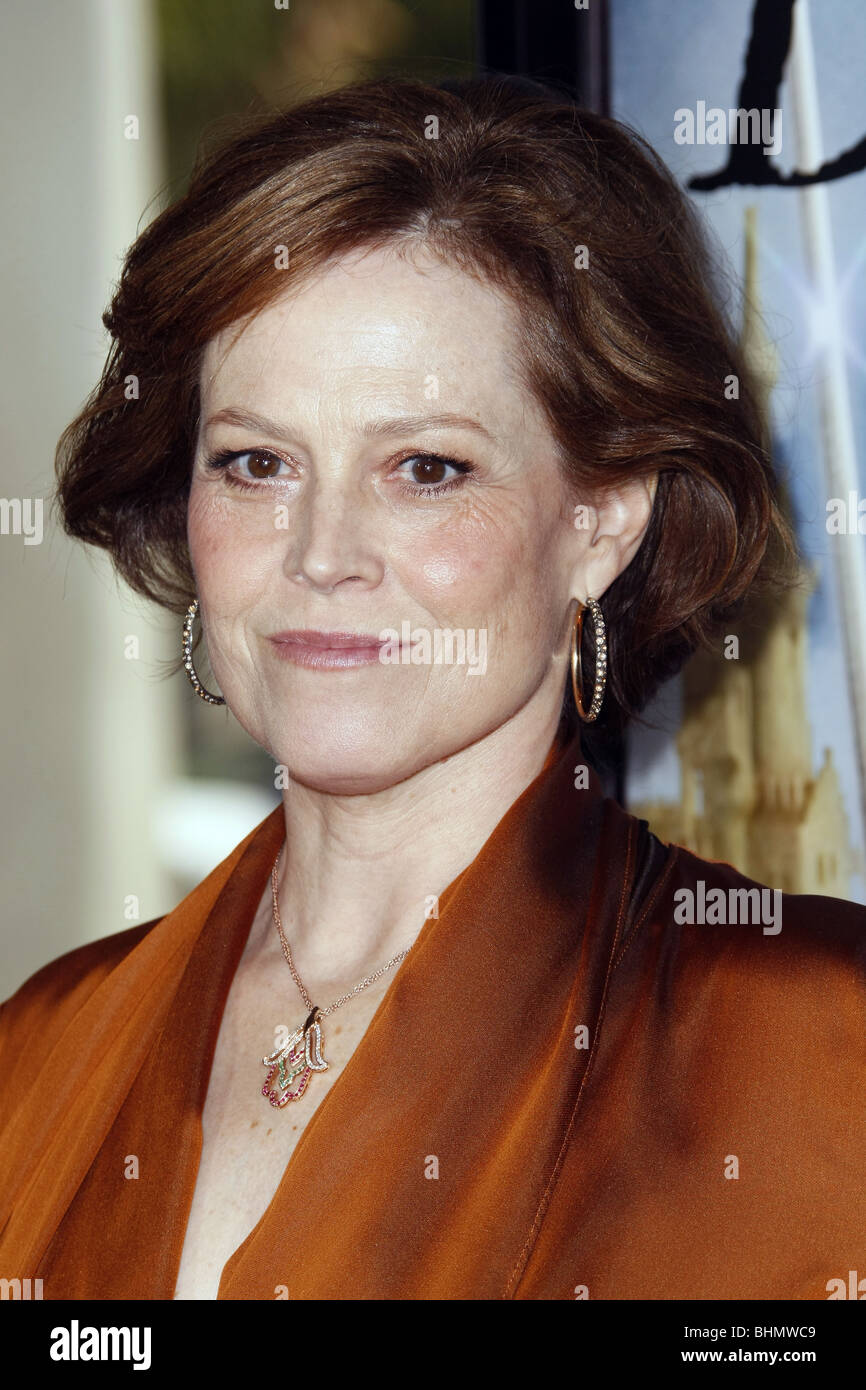 SIGOURNEY WEAVER THE TALES OF DESPEREAUX WORLD PREMIERE HOLLYWOOD LOS ANGELES CA USA 07 December 2008 - Stock Image