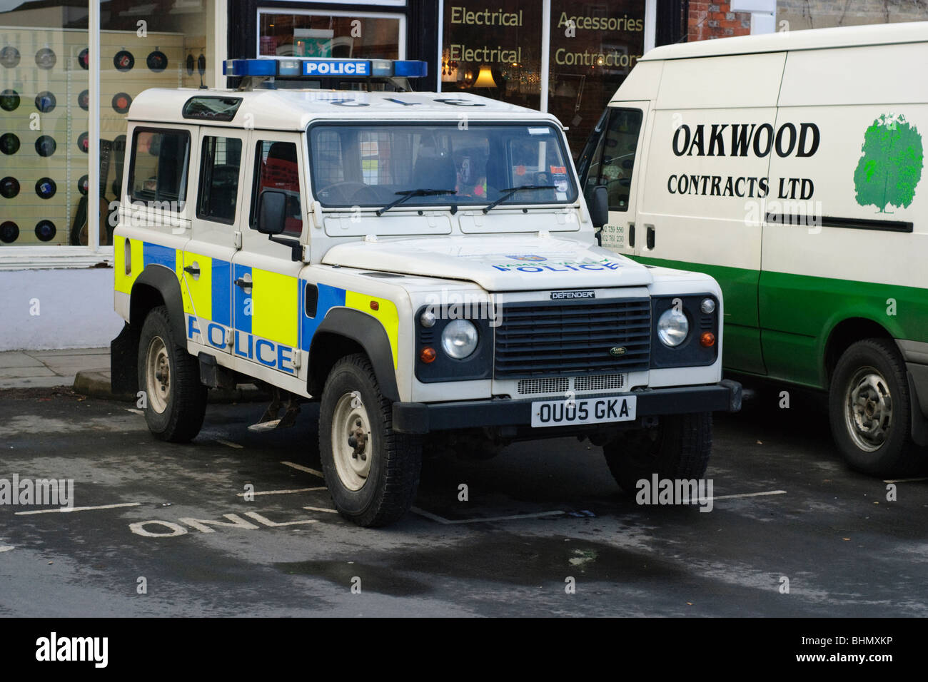 Thames Valley Police Land Rover parked in Wantage Market Place, Oxfordshire. - Stock Image