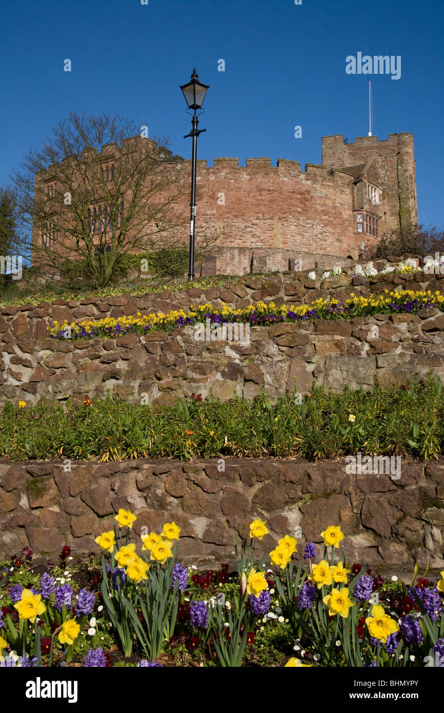 Tamworth castle with flowerbeds - Stock Image
