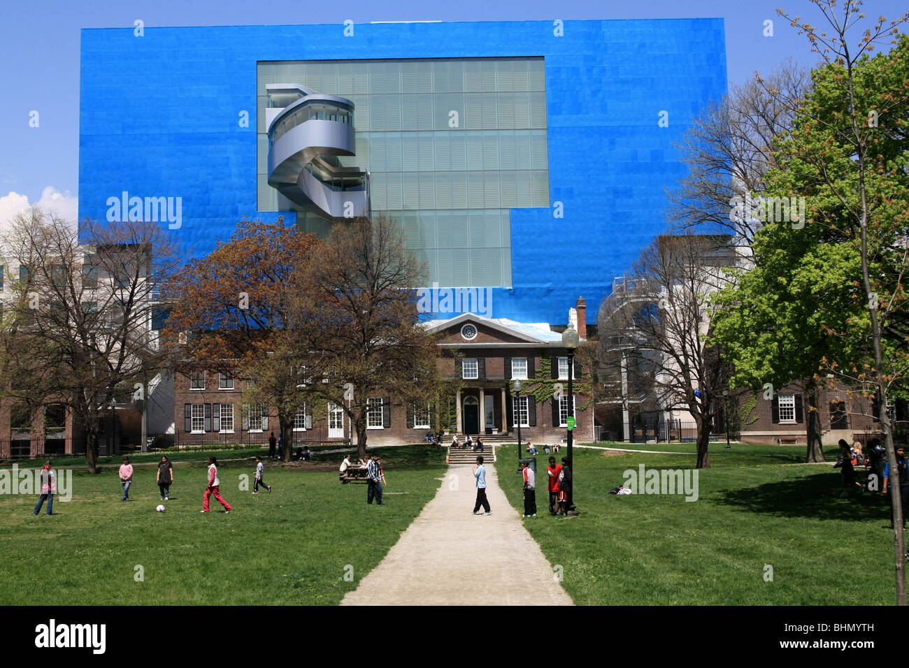 Modern addition to the Art Gallery of Ontario, designed by Frank Gehry. - Stock Image