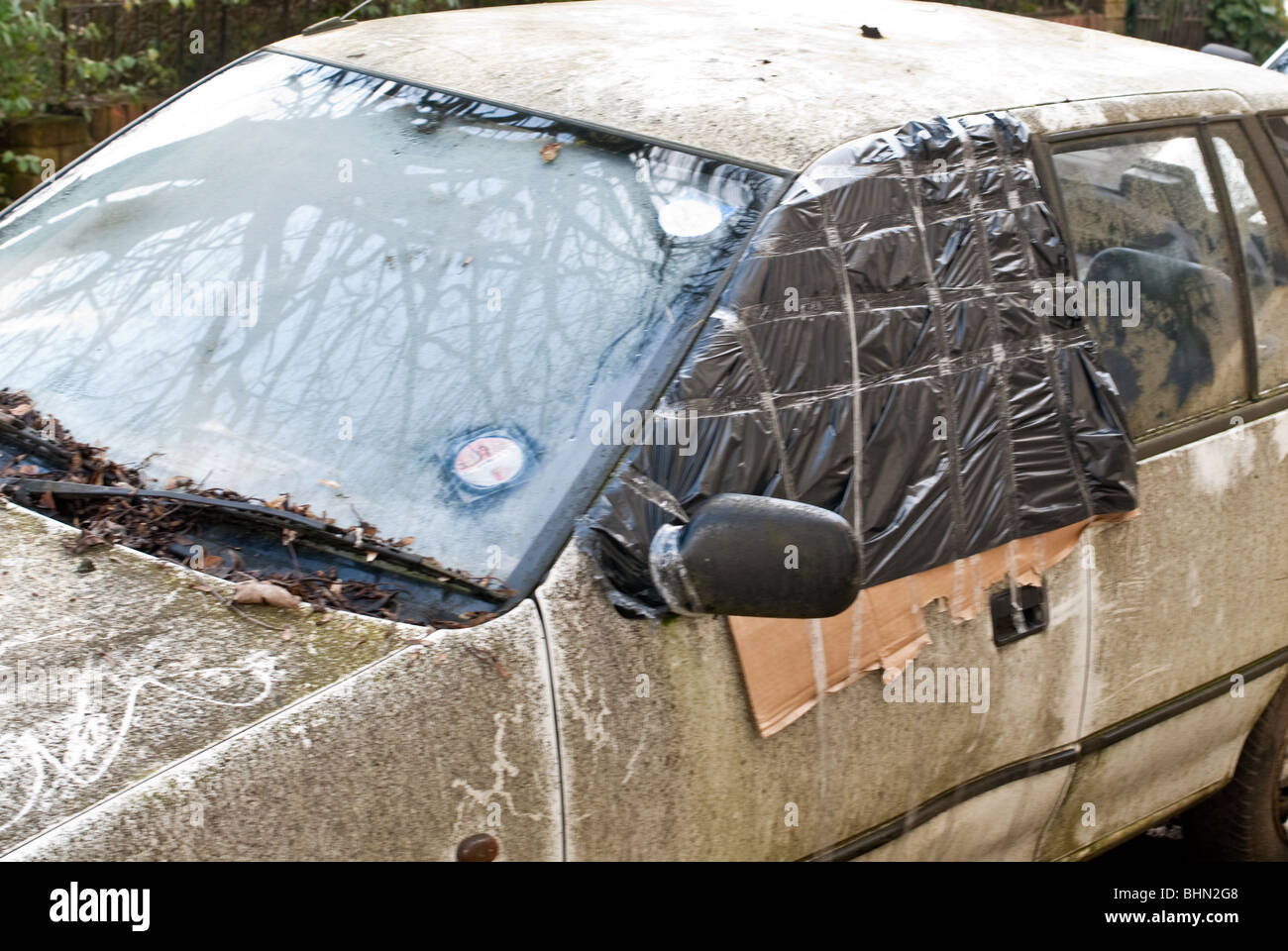 Car in poor condition - Stock Image
