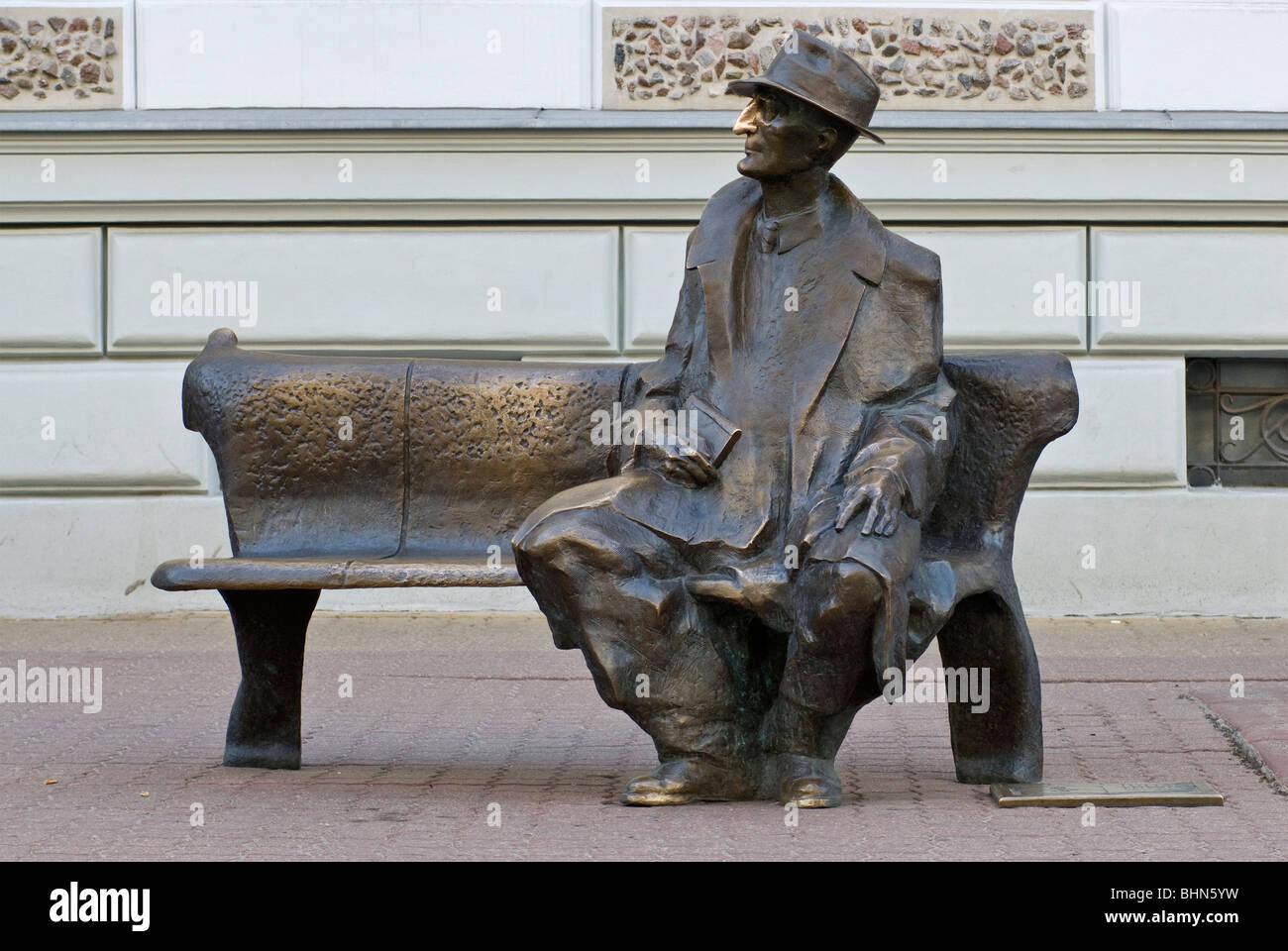 Poet Julian Tuwim, a Polish Jew, statue at Piotrkowska Street in Łódź, Łódzkie, Poland - Stock Image