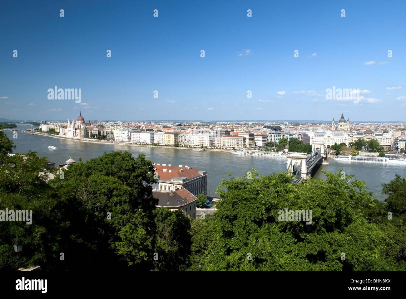 geography / travel, Hungary, Budapest, Pest, Danube River, Szechenyi Chain Brige, Gresham Palace, Basilica St. Stephan, - Stock Image