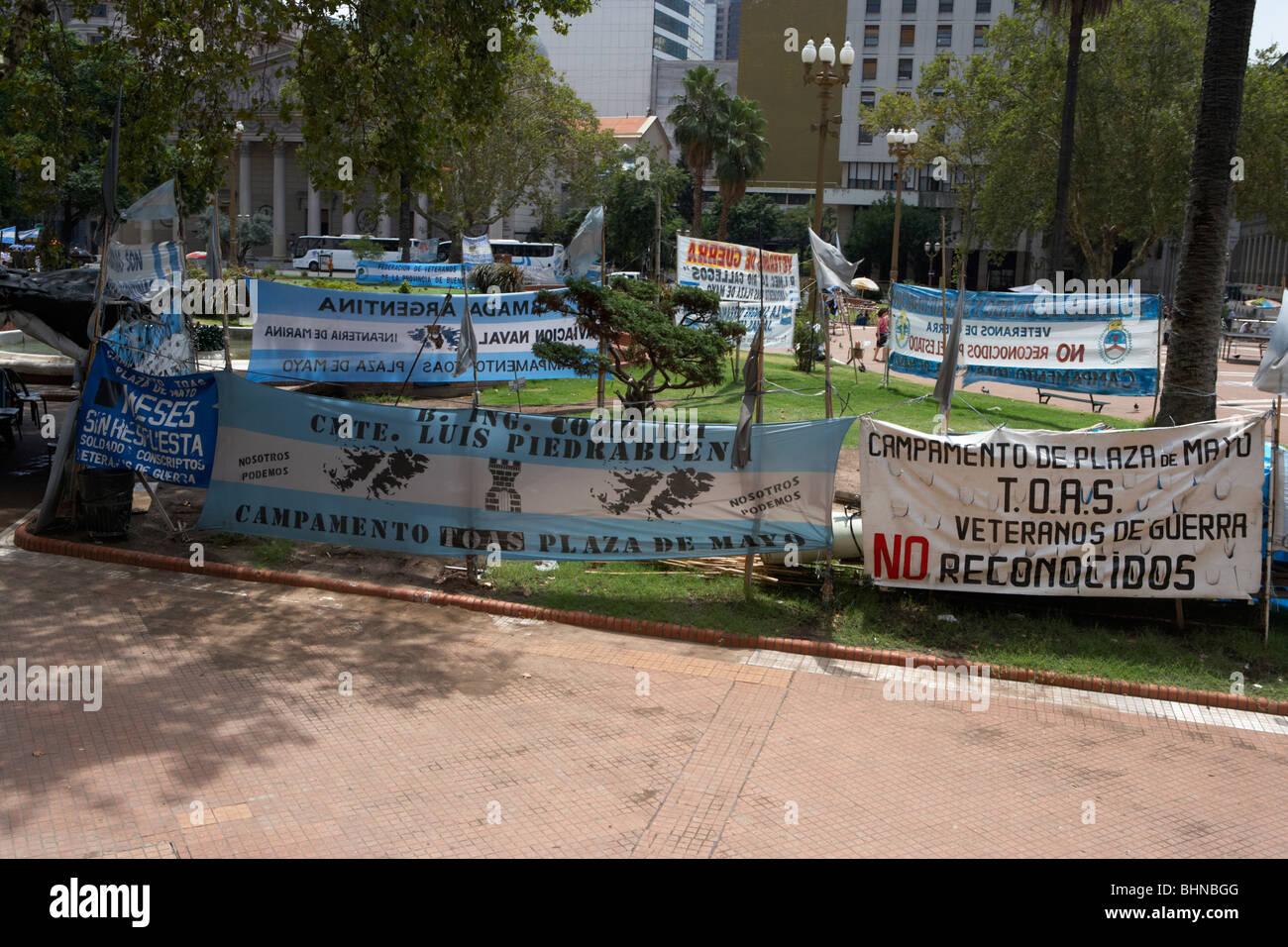las malvinas veterans memorial protest plaza de mayo buenos aires republic of argentina south america - Stock Image