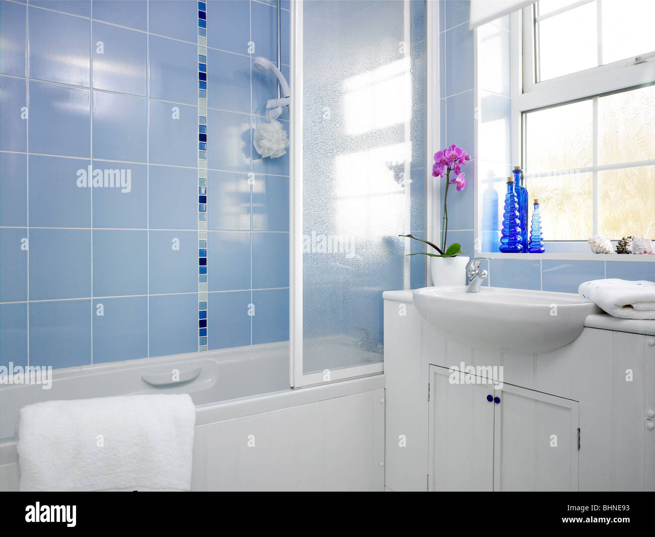 Small Window Bathroom Stock Photos & Small Window Bathroom Stock ...