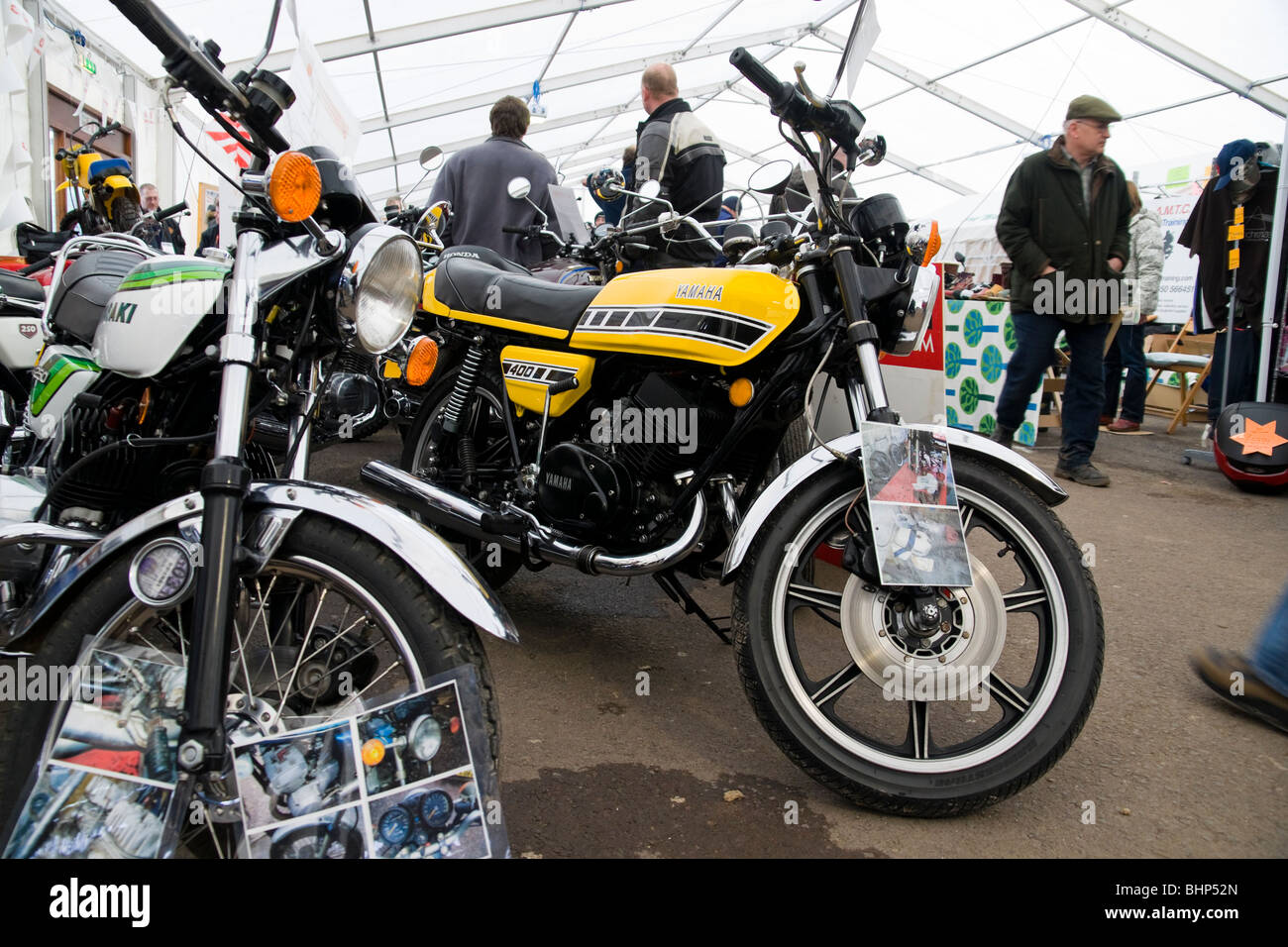 Yamaha Yellow Stock Photos & Yamaha Yellow Stock Images - Alamy