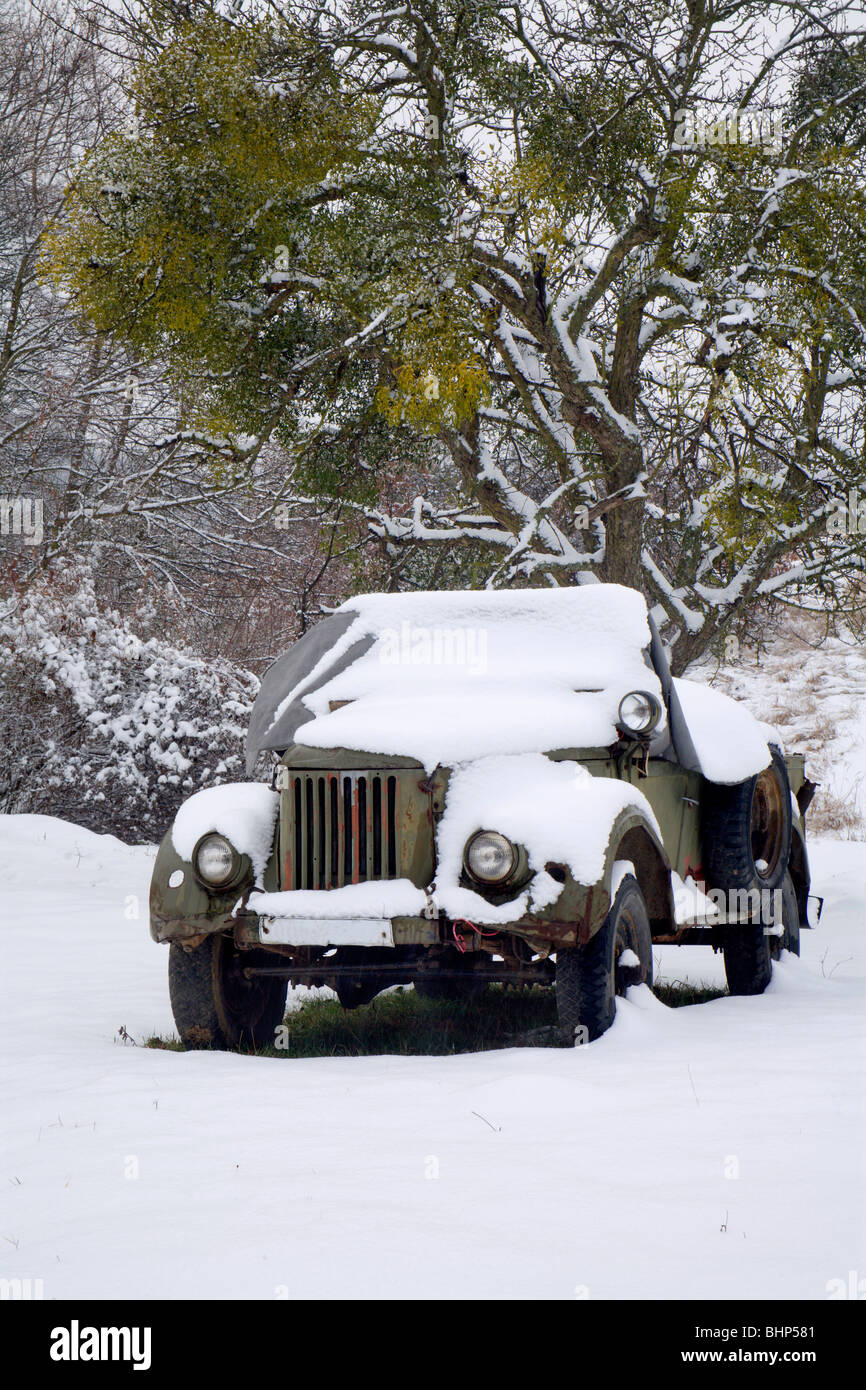 old jeep in winter - Stock Image
