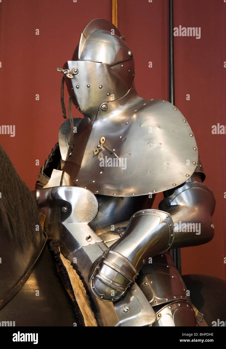 Classic Medieval Full Suit of Armor. - Stock Image