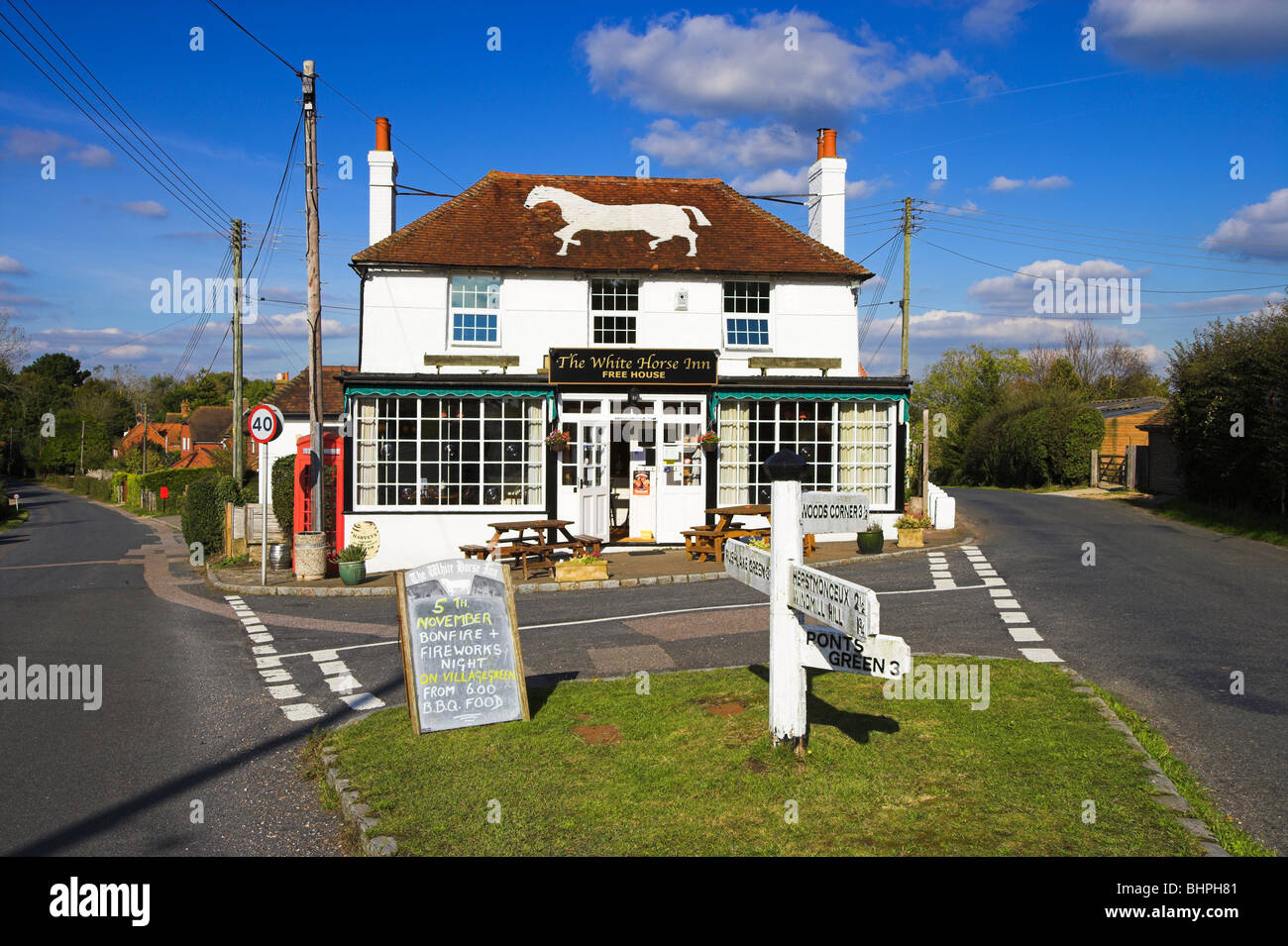 'White Horse' pub Bodle Street Green Sussex England - Stock Image