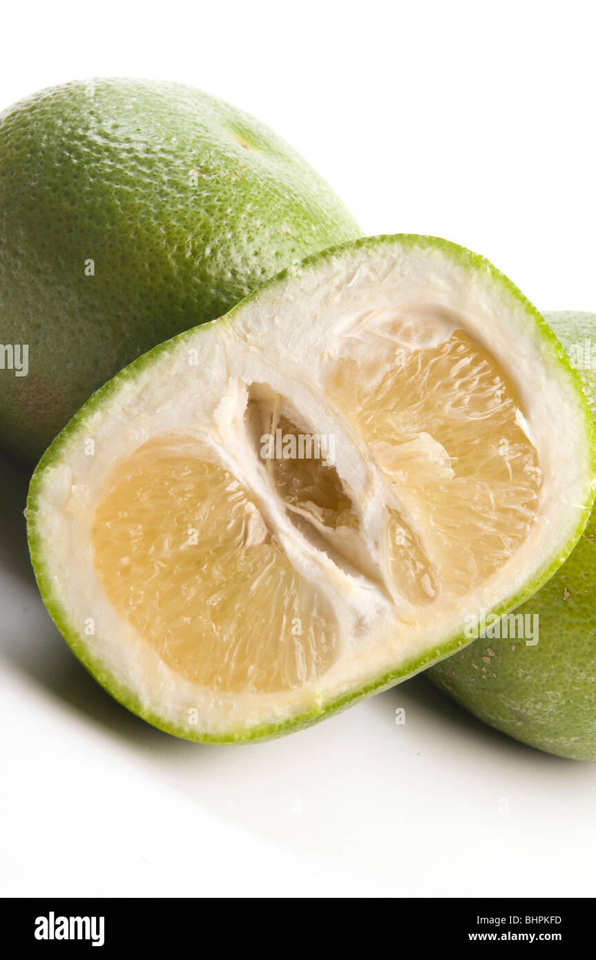 oroblanco sweetie fruit group a hybrid of pomelo and white grapefruit grown in Israel - Stock Image