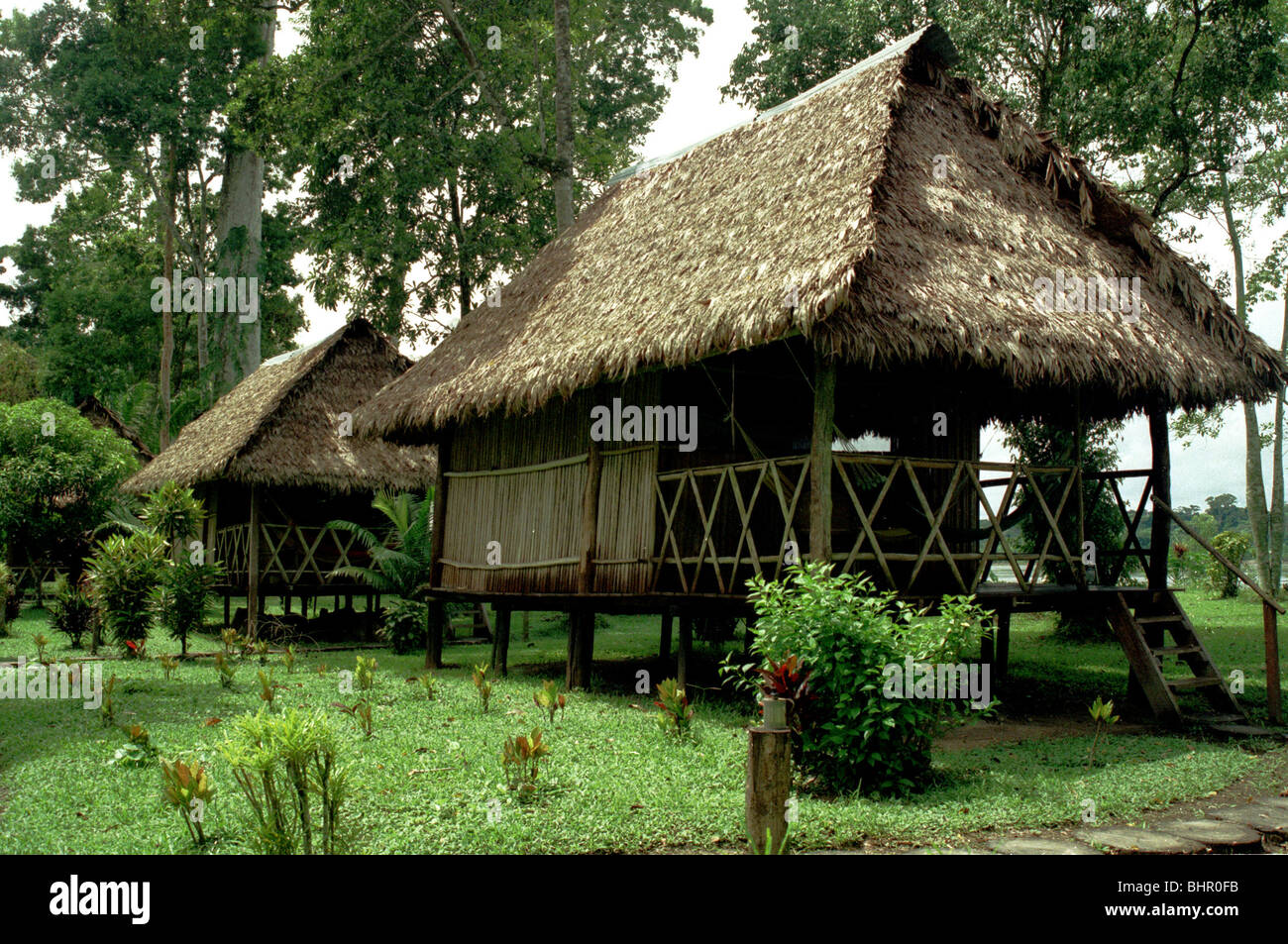 Chalet in Peruvian Amazon forest circa 1997 - Stock Image