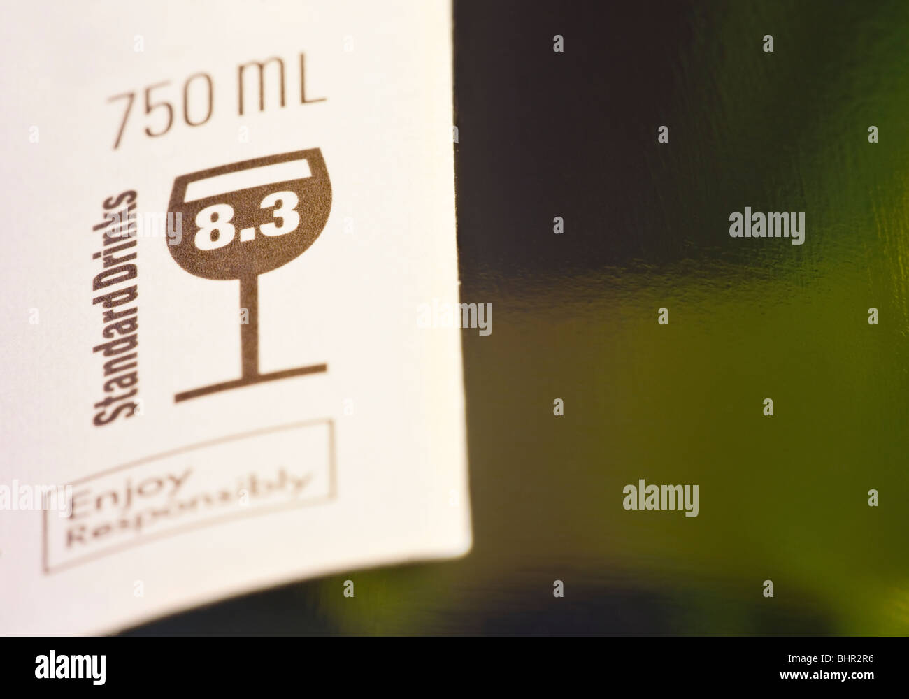 Standard Drinks Alchohol Units Label on a wine bottle - Stock Image