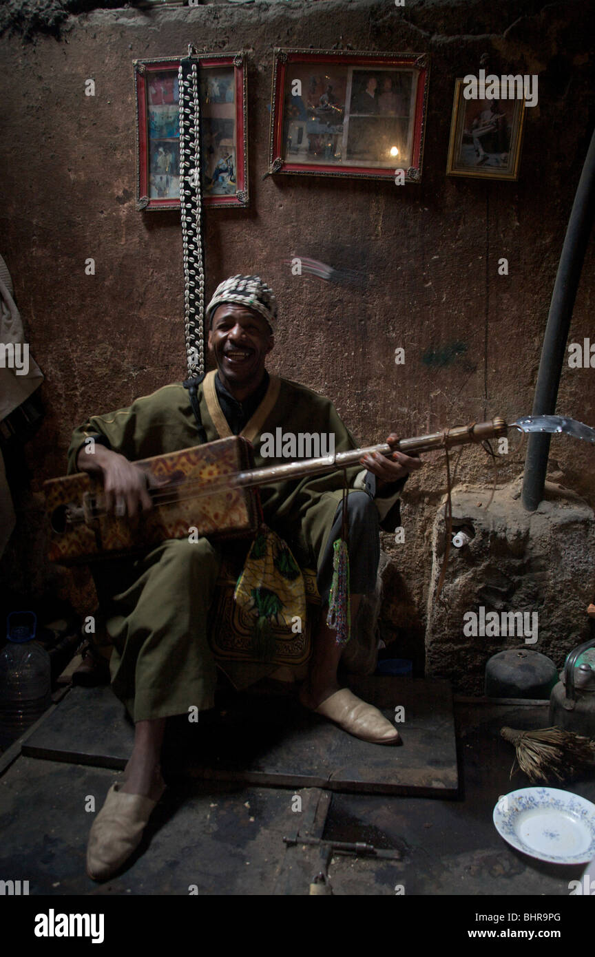 Gnawa musician in the Marrakech medina, Morocco North Africa - Stock Image
