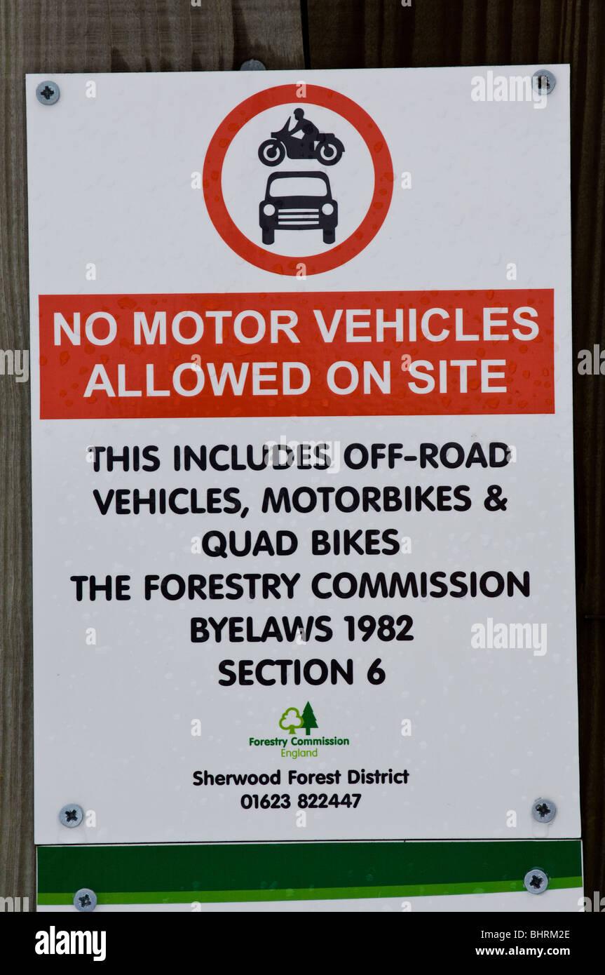 Warning sign or notice, no motor vehicles - Stock Image