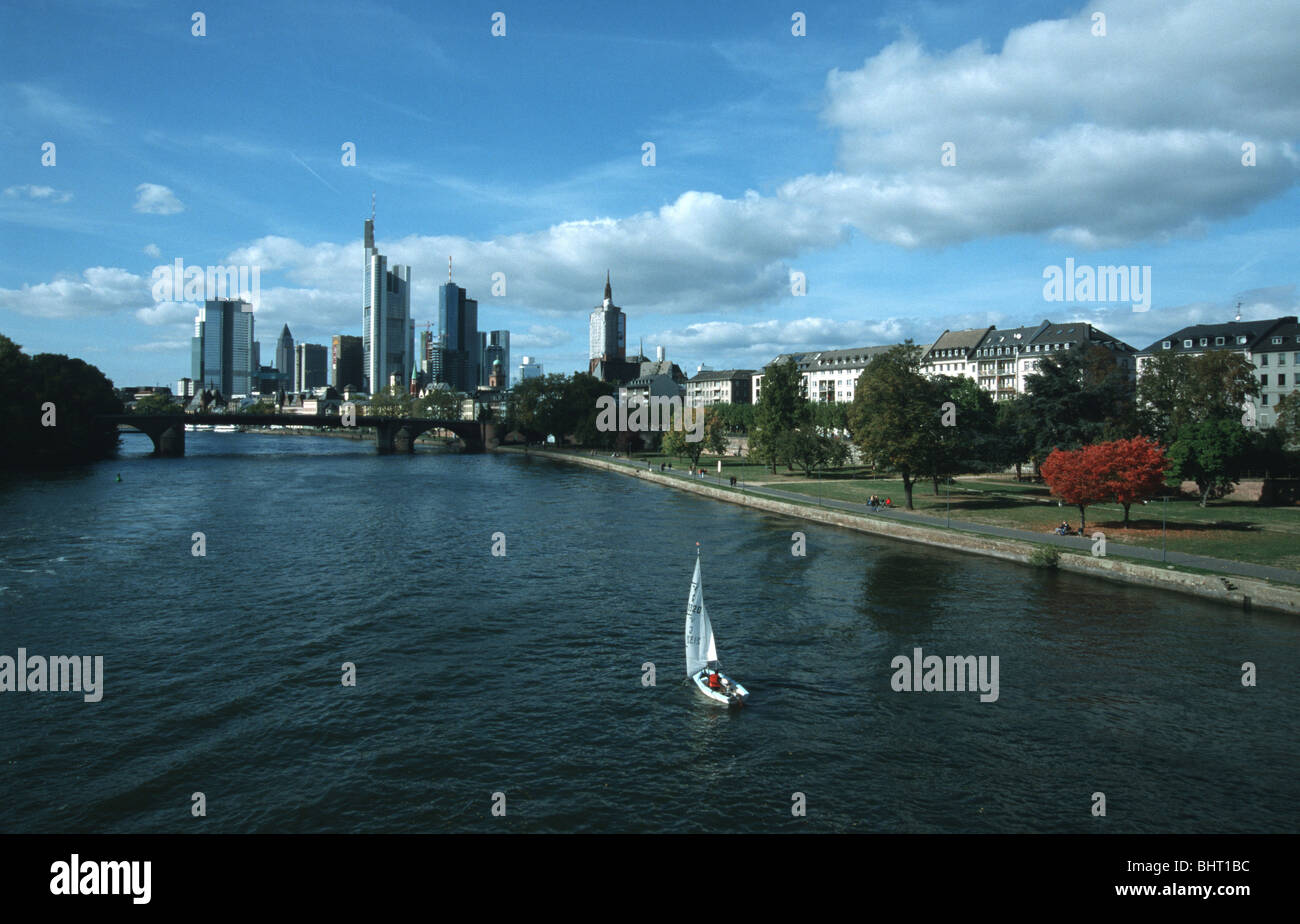 Frankfurt, Main Main, Skyline (Banken Hochhäuser) River Main, skyline (banks, highrise buildings) - Stock Image