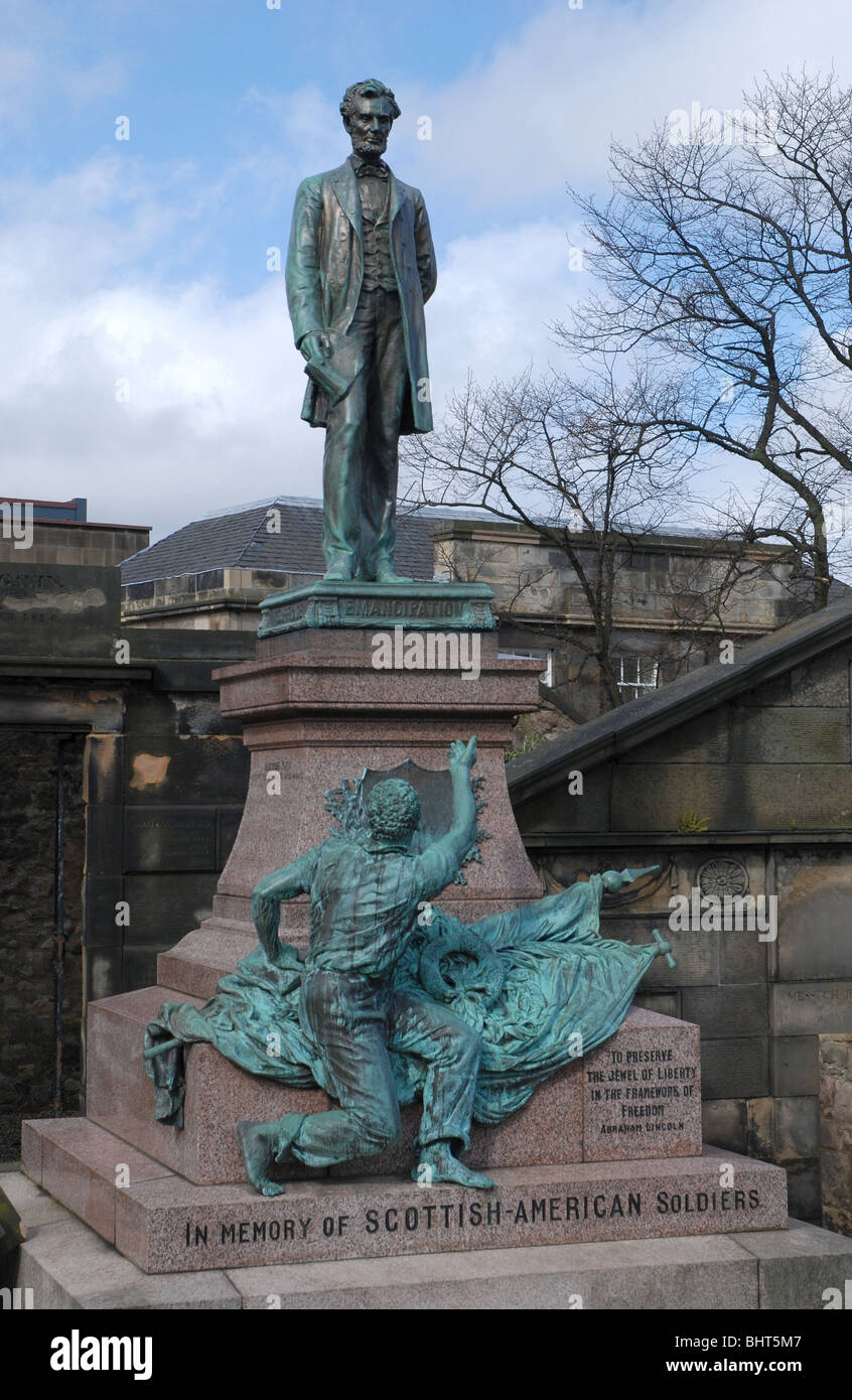 Memorial to Scottish Americans who fought in the American Civil War, complete with a statue of Abraham Lincoln and Stock Photo