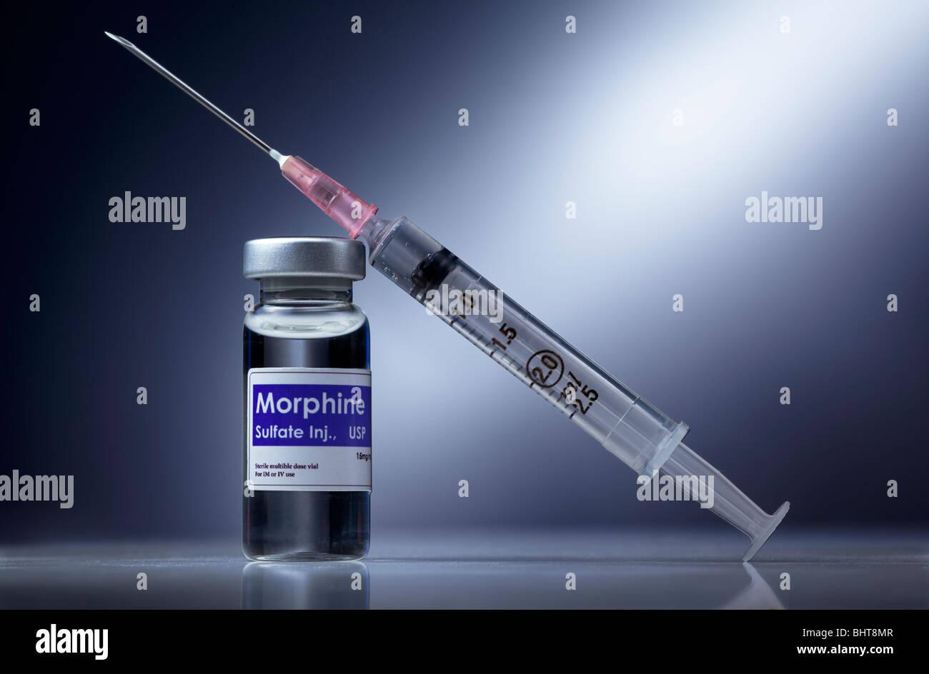 Syringe and morphine - Stock Image