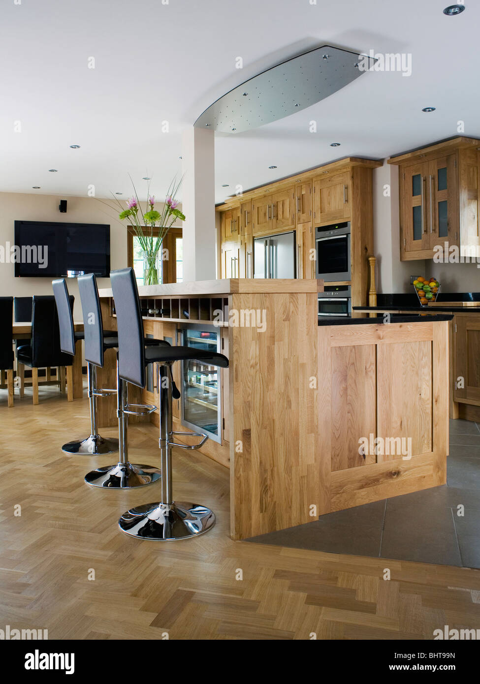 Fabulous Black Stools At Breakfast Bar In Modern Country Kitchen With Andrewgaddart Wooden Chair Designs For Living Room Andrewgaddartcom