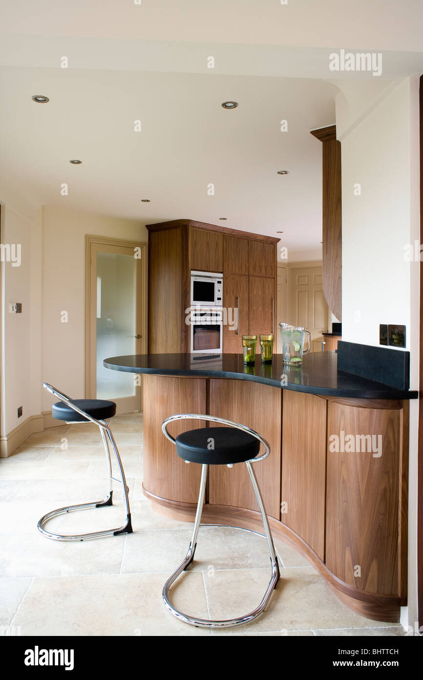 Peachy Black Leather And Chrome Stools At Curved Breakfast Bar On Andrewgaddart Wooden Chair Designs For Living Room Andrewgaddartcom