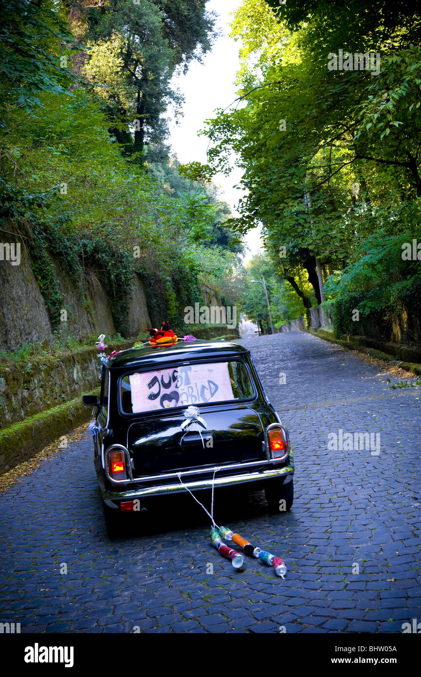 just married car driving away stock photos just married car