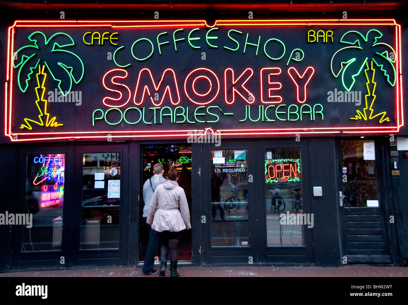 Amsterdam Coffee Shop Joint Haschisch Gras Canabis Marihuana Dope Marijuana Drugs cannabis coffeeshop - Stock Image