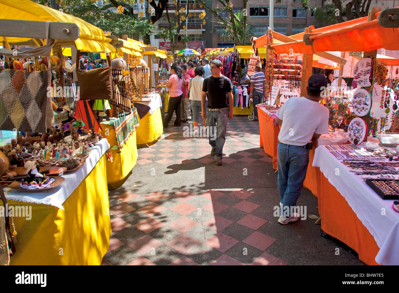 Colombia, Mercado de San Alejo, student craft and art fair held 1st Saturday of the month in Parque Bolivar, La - Stock Image