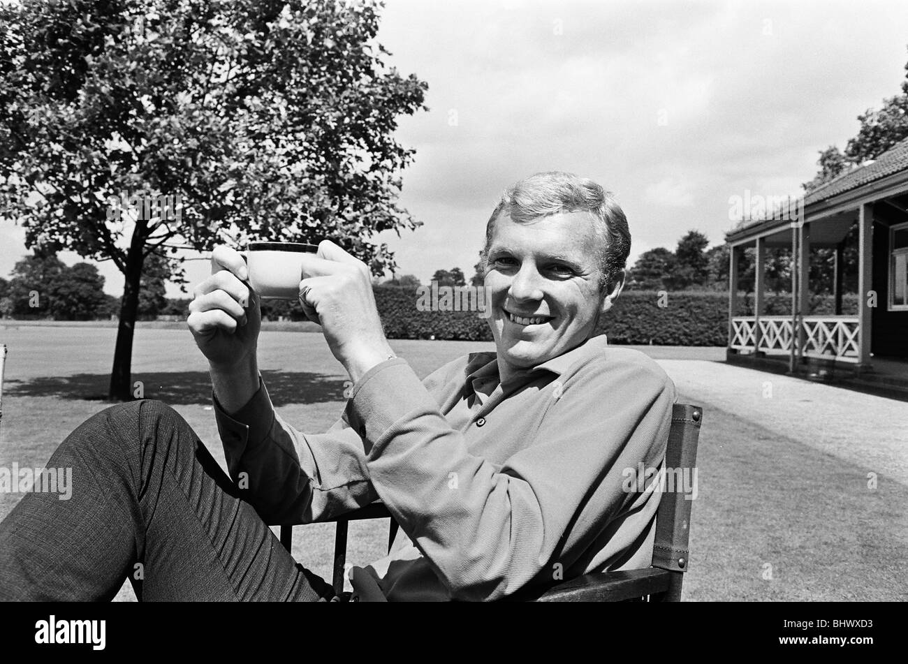 Bobby Moore, relaxes day before the World Cup Final 29th July 1966. match. Stock Photo