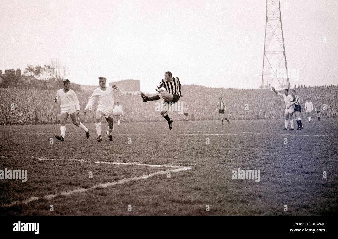 Brian Pop Robson shoots for goal during the Newcastle United v Ujpest Dosza Fairs cup final in 1969. Tyneside's - Stock Image