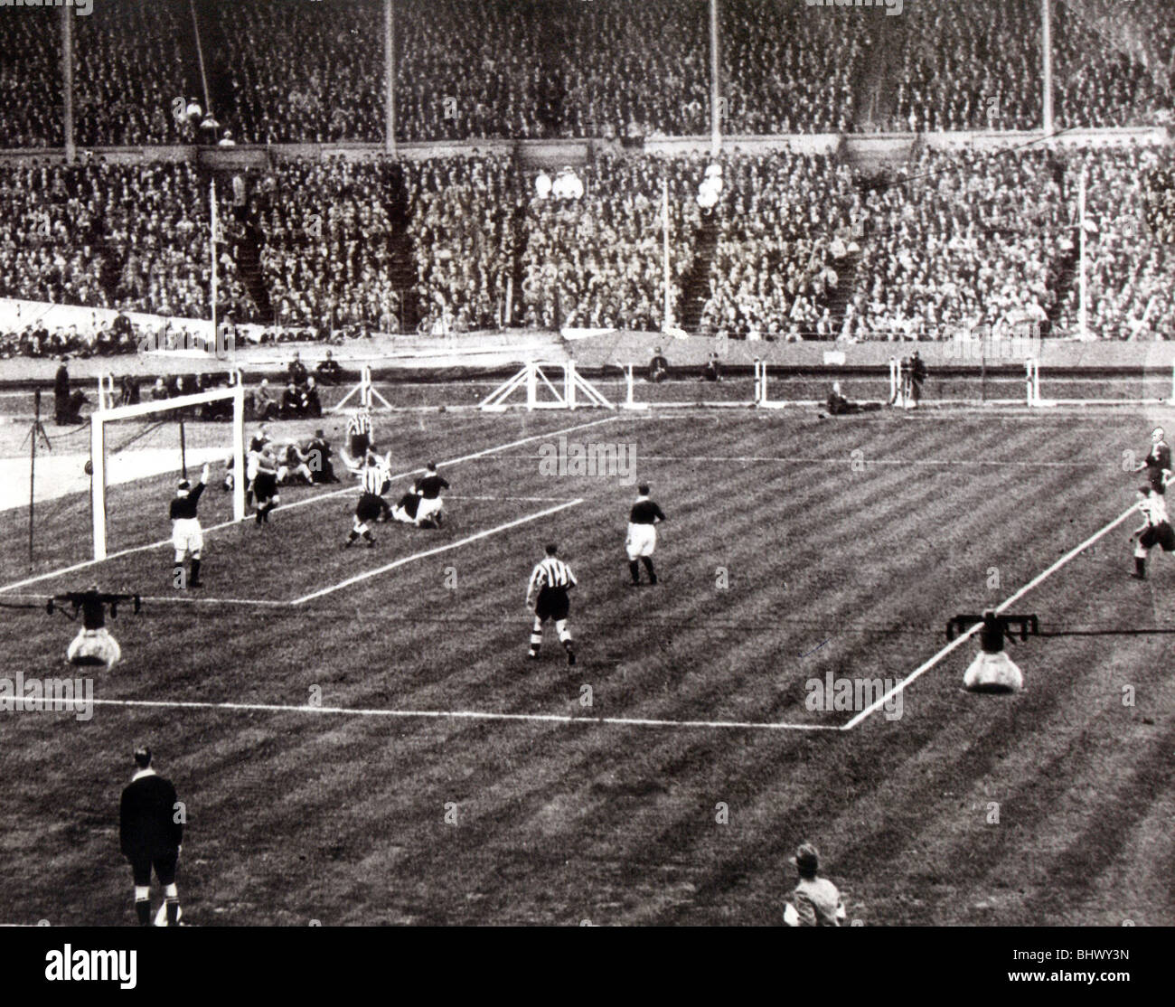 Fa Cup Final 1932 Newcastle United Vs Arsenal Newcastle United Won Stock Photo Alamy