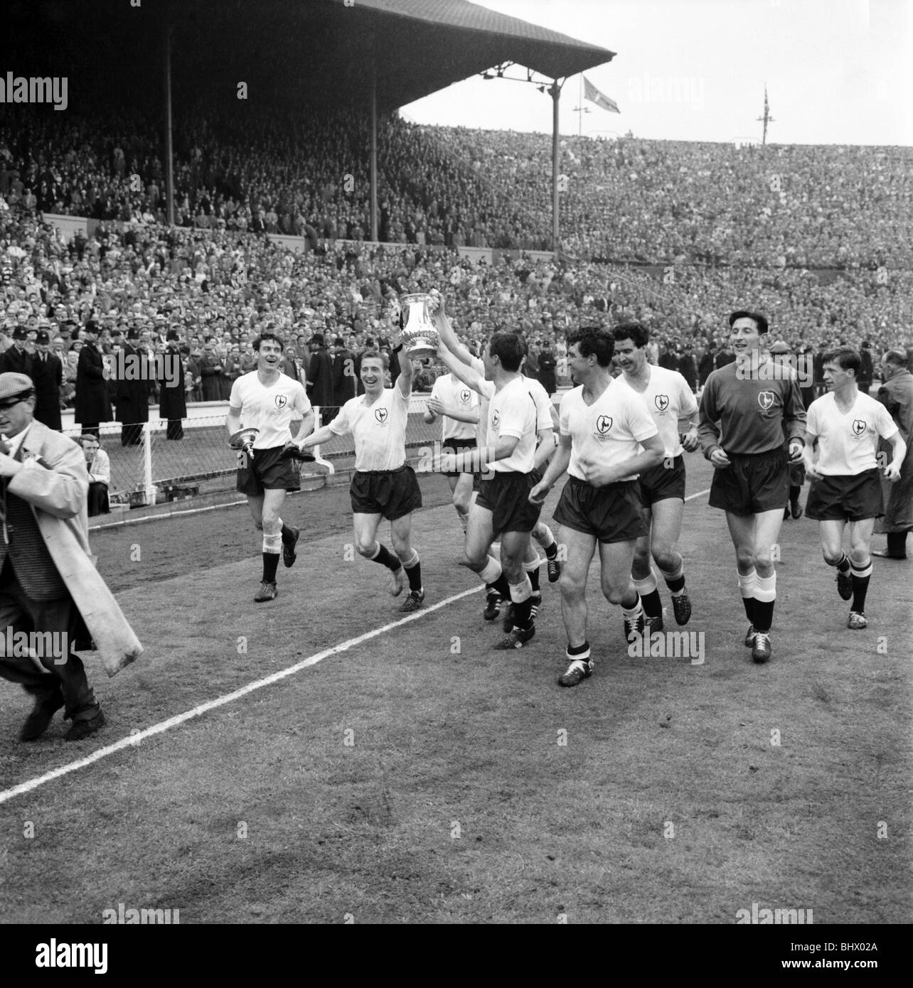 Tottenham Vs Ajax Tickets Away End: Tottenham Hotspur 1962 Stock Photos & Tottenham Hotspur