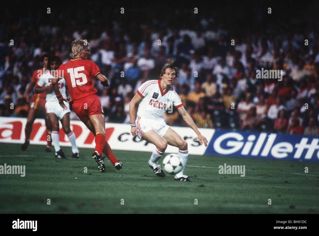 Belgium v Russia 1982 World cup match Oleg Blokhin out smarts Marice De Schrijver - Stock Image