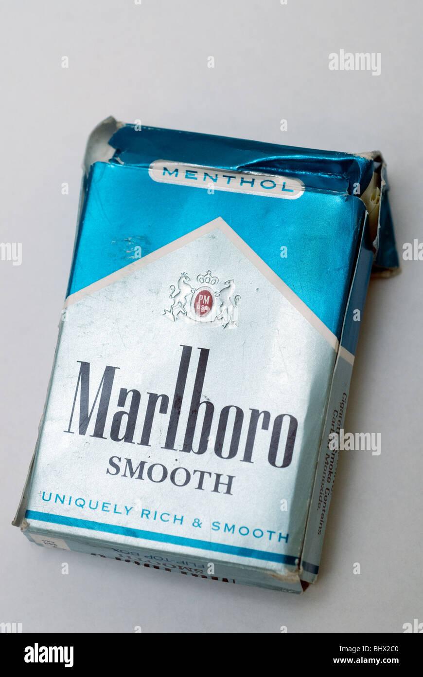 Menthol Cigarettes Stock Photos & Menthol Cigarettes Stock
