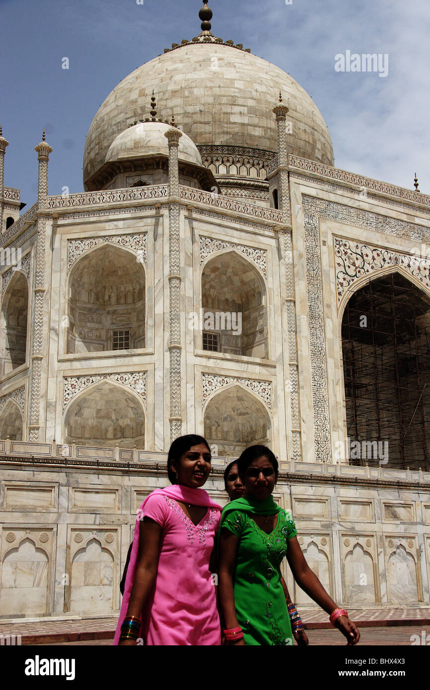 Girls of the taj mahal