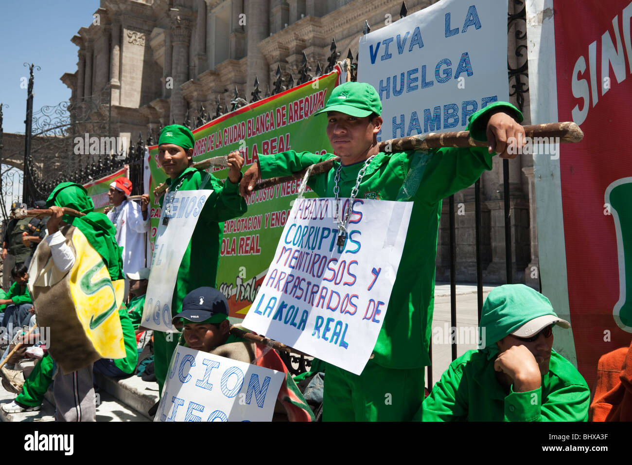 Men in Hunger strike over working conditions in Plaza de Armas, Arequipa, Peru, South America - Stock Image